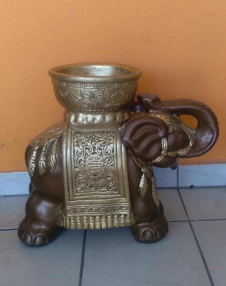 Elefánt-vt-indiai-tállal/ba
