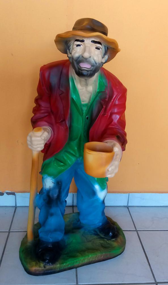 Koldus-Kéregető-nagy-92cm/piros kabátos