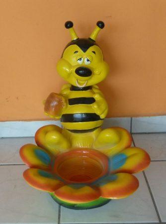 Méh-virággal