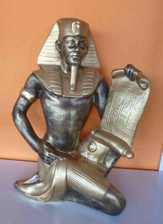 Fáraó- 50cm-Tutanhamon-papírusszal/aa
