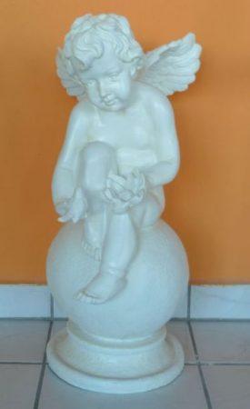 Angyal- 67cm-Gömbön ülő-lótusz virággal/madárral