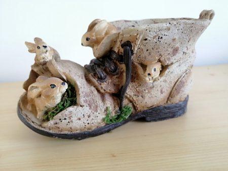 Nyúl-nyuszi család-jobb cipő