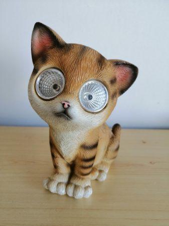Solar-macska-15cm-barna-LED szemekkel