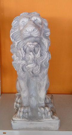 Oroszlán-53 cm-címer nélkül/szürkés-fehér