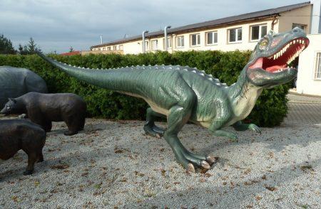 Dinoszaurusz-Ceratosaurus-200cm