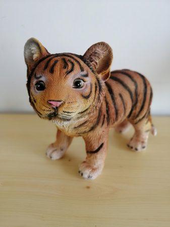 Tigris-barna-álló-19cm