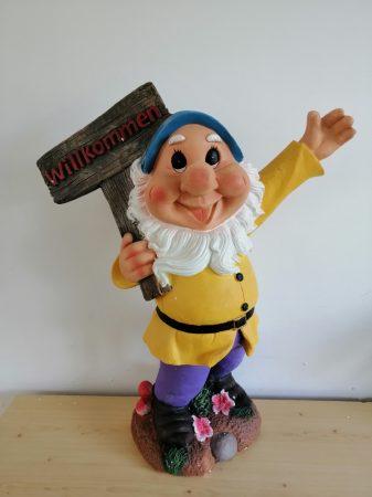 Kerti törpe-58cm-Üdvözlő táblával/felemelt kézzel