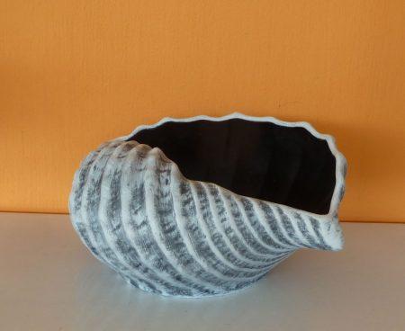 Kerámia-Virágtartó-Öblös kagyló kaspó/terrakotta/K-07
