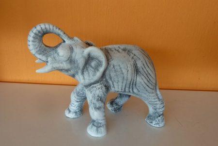 Elefánt-kicsi