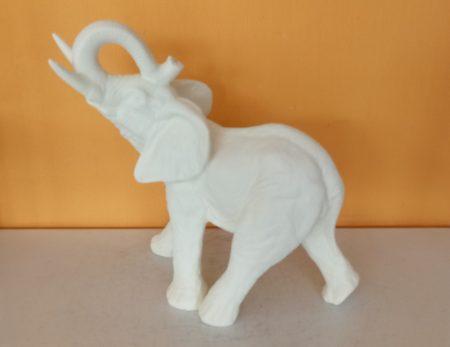 Elefánt-nagy/mamut/ekrü-csobogóhoz