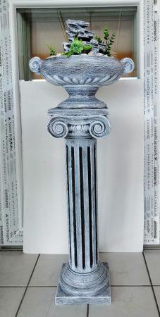 Kerámia-Csobogó-oszlopon-görög/római tál-sziklával
